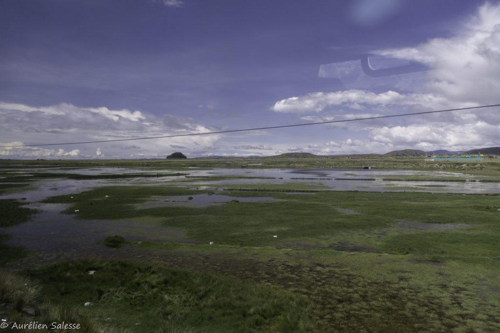 Titicaca - frontière Pérou